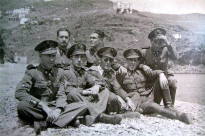 Aviadors republicans a Villa Antonia, Portbou, 1936 Carrabiners republicans a la platja de Portbou, 1935